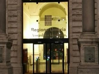 """Finanza al """"Palazzo"""", tablet, telefonini, pc e viaggi nel mirino"""