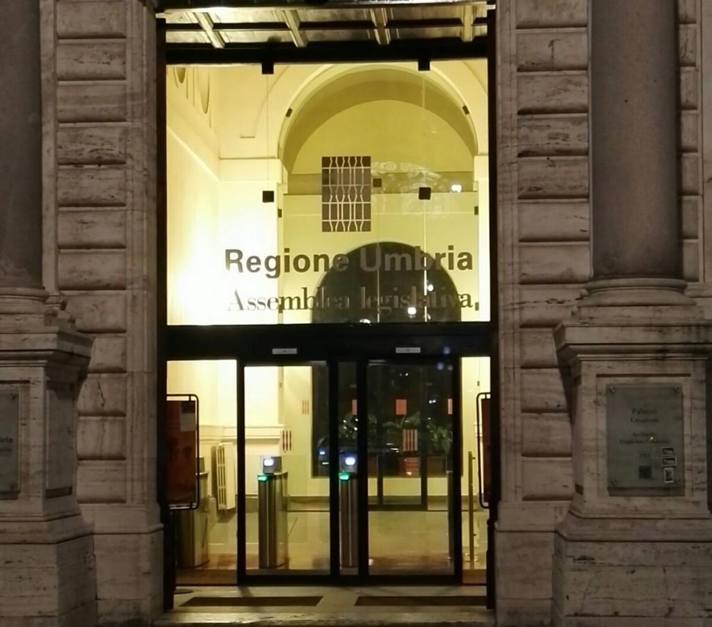 Spese pazze a Palazzo Cesaroni, condannati Buconi e Rometti