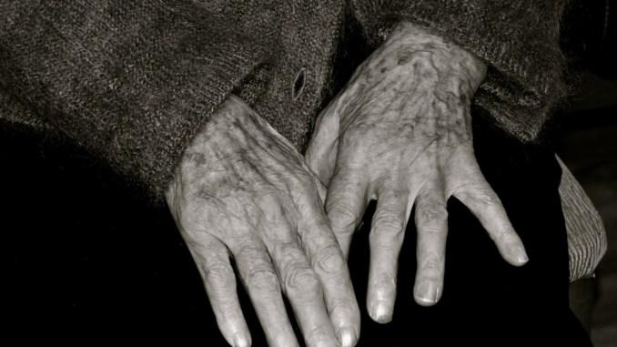 Non autosufficienza, stanziati 3 milioni di euro per assistere gli anziani in casa