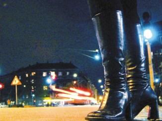Prostitute davanti alla chiesa a Ponte San Giovanni, i cittadini, non se ne può più
