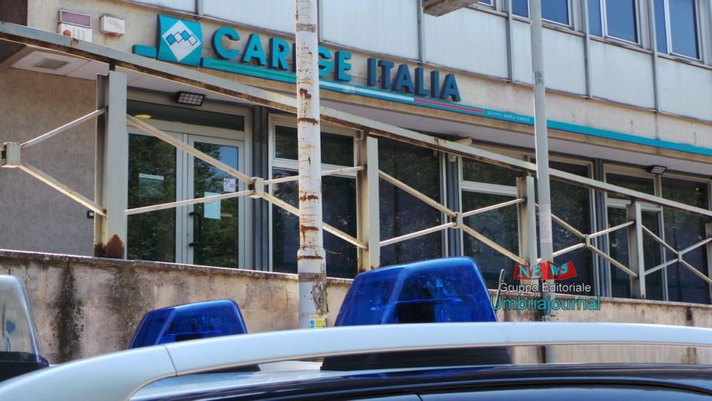 Rapina a mano armata alla Banca Carige di via Sicilia