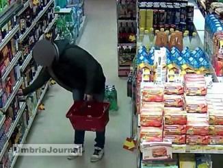 Ladri al supermercato in Audi A4 a Perugia ma non pagano, tre romeni denunciati