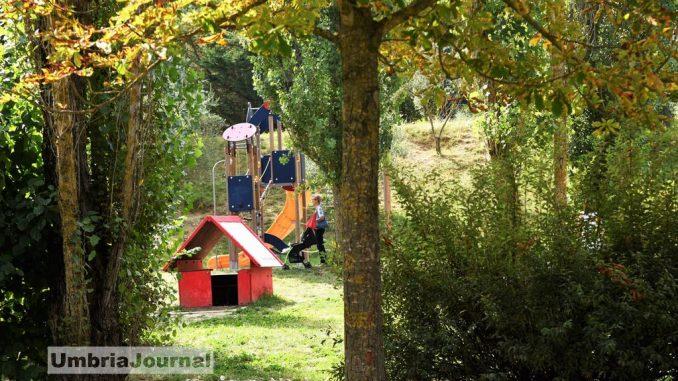 Parchi di Perugia, la cura delle aree verdi non va in vacanza [FOTO]