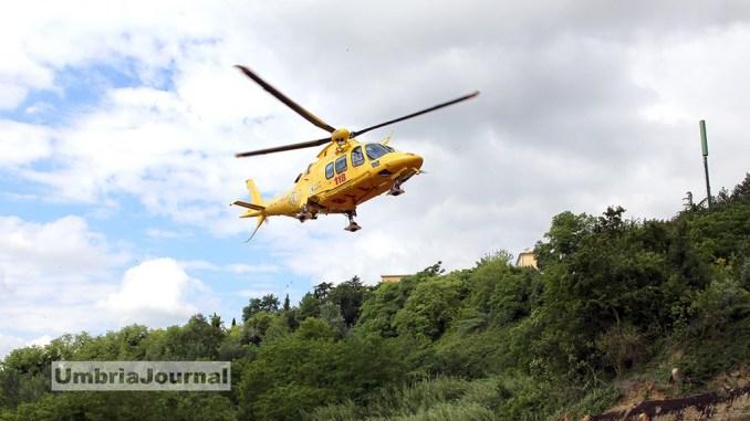 Vigile del fuoco ferito durante rimozione detriti a Castelluccio, non è grave