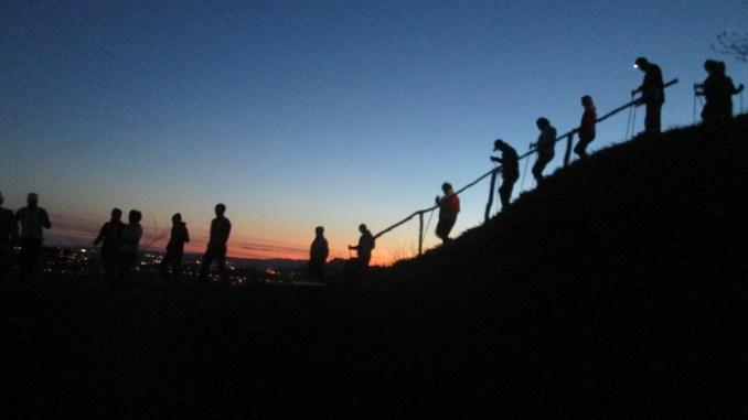 """Marcia notturna """"8500 passi… l'amore che non muore"""" ad Assisi"""