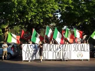 CasaPound, quanti affari con l'immigrazione a Perugia da destra a sinistra