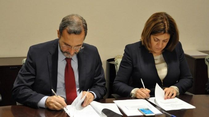 La firma di questa mattina del protocollo d'intesa per l'Agenda digitale