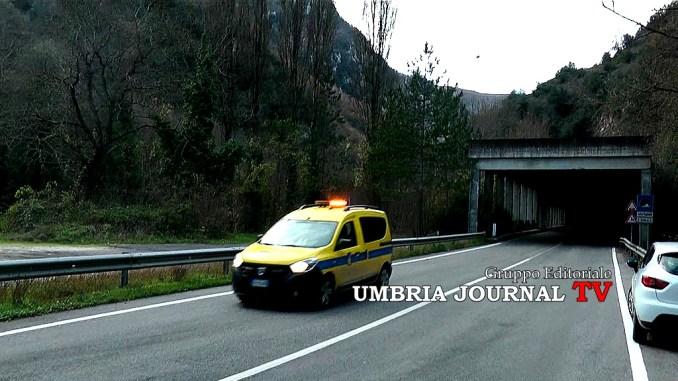 Tre Valli Umbre rimozione di alcuni blocchi rocciosi, difficoltà per il traffico