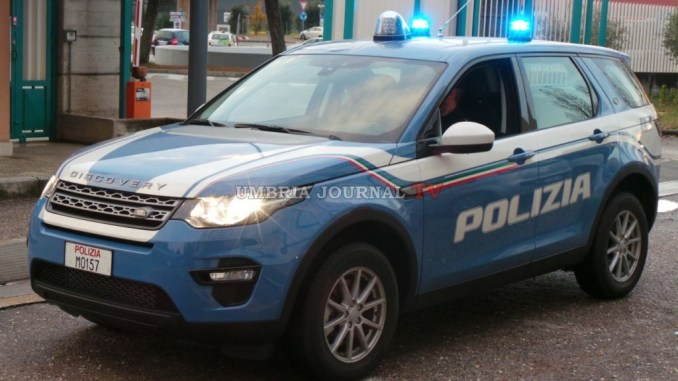 Perugia, controlli in via del Macello, mandati a casa i due spacciatori