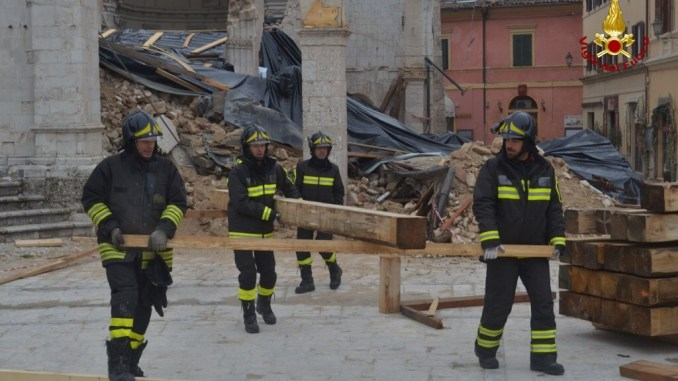 Terremoto, Basilica di Norcia, al via la messa in sicurezza VIDEO