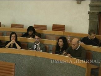 Perugia, sindaco fantasma e maggioranza latitante, il Consiglio dura 10 minuti