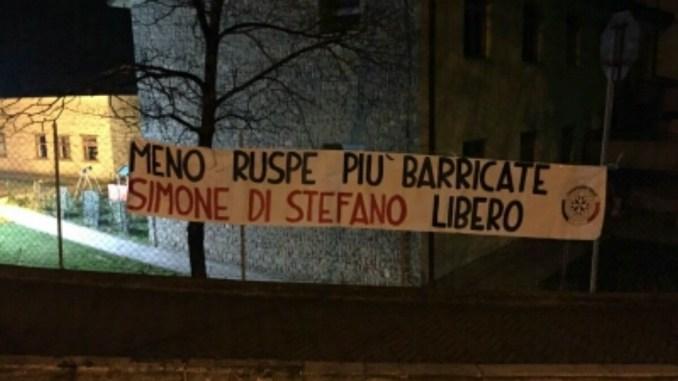 """""""Meno ruspe più barricate"""", striscioni a firma CasaPound in 100 città italiane"""