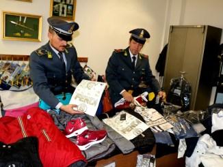 Seimila capi, articoli e accessori sequestrati dalla Finanza di Terni