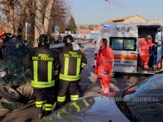Incidente stradale sulla Strada dei Loggi a Ponte San Giovanni, un ferito
