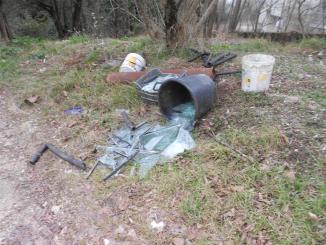 Caos rifiuti Terni rifiuti abbandonati in strada ritardi nella raccolta
