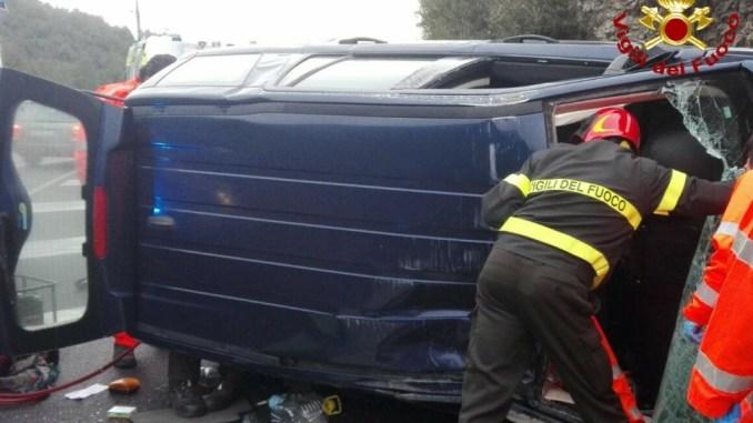 Incidente stradale Raccordo uscita Terni San Carlo, due feriti, a bordo anche disabile