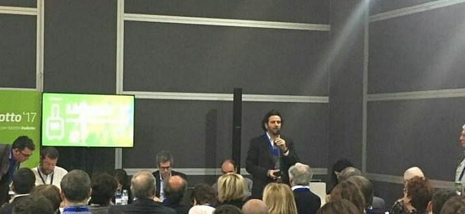 Il Segretario regionale del Pd Umbria, Giacomo Leonelli, nel corso del suo intervento al tavolo su partito e organizzazione del Lingotto 17