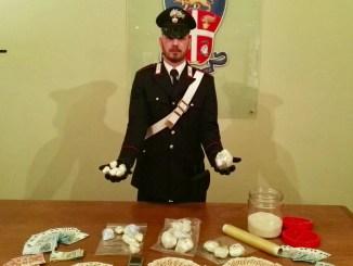 Droga e soldi, Carabinieri smantellano una banda di spacciatori, vendevano cocaina