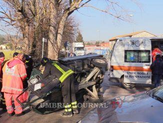 Incidenti stradali, i Vigili del Fuoco attaccano il 118, i ritardi mettono a rischio la vita di tutti