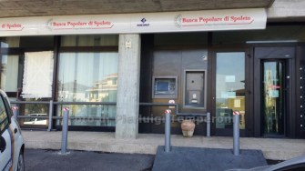 assaltano-bancomat-cassaforte-fiamme (2)