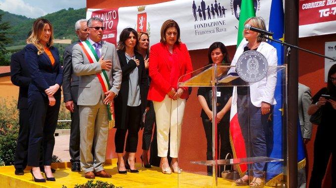 Inaugurata scuola media di Norcia, Alemanno, la nostra comunità ce la sta facendo
