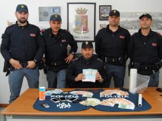 Perugia, controlli della polizia in via del Macello, arrestati due spacciatori