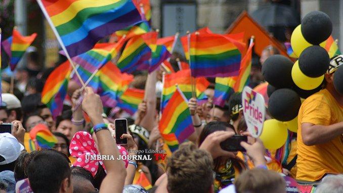 Perugia Pride Village, Carla Spagnoli, Comune dica da che parte sta