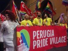 Pride a Perugia, Omphalos, grande corteo per Joan, Fabiola e Migranti