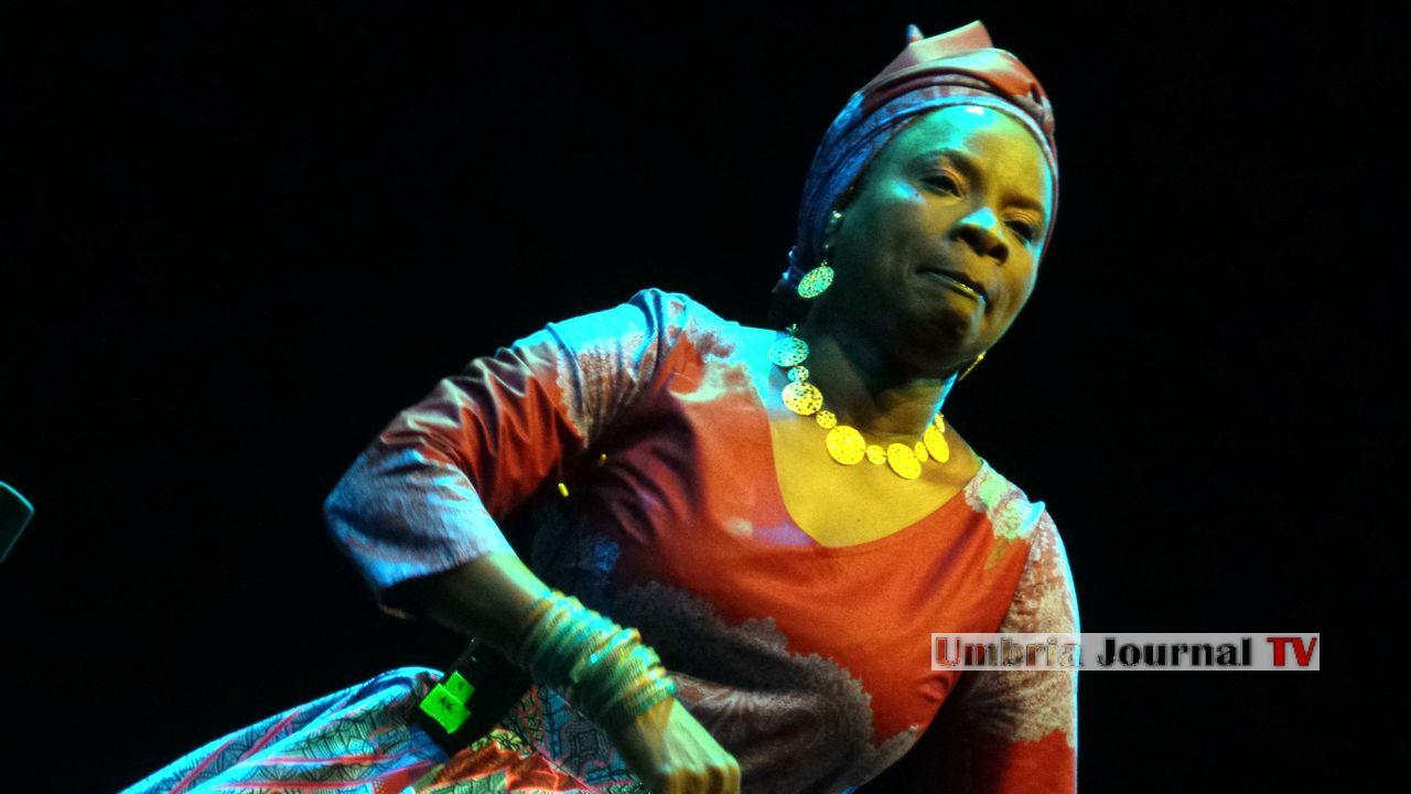 Angelique Kidjo (3)