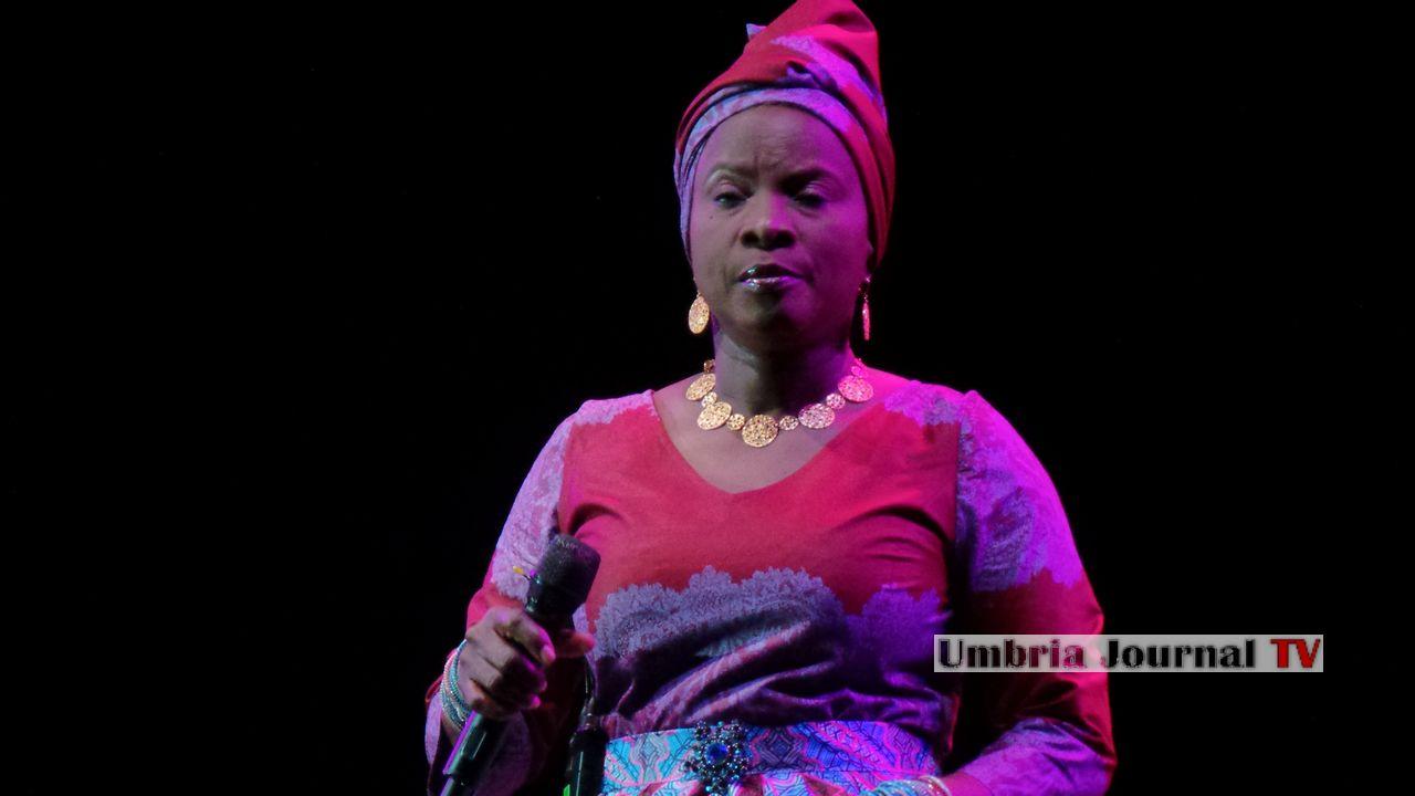 Angelique Kidjo (6)