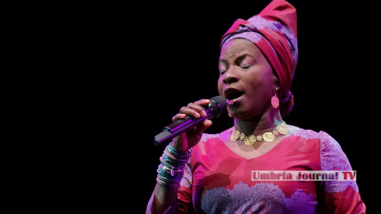 Angelique Kidjo (8)