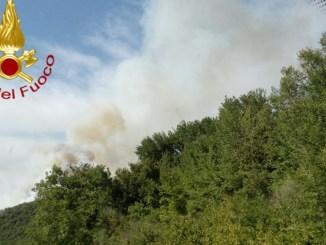 Incendio abitazione a San Gemini e bosco a Pietralunga, gran lavoro per i pompieri