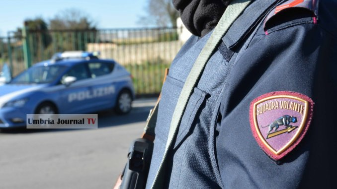 Nascondevano dosi di cocaina in auto, bloccati da polizia a Perugia