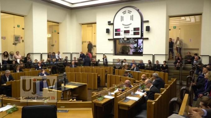 Approvato il piano tutela delle acque, 12 voti favorevoli della maggioranza