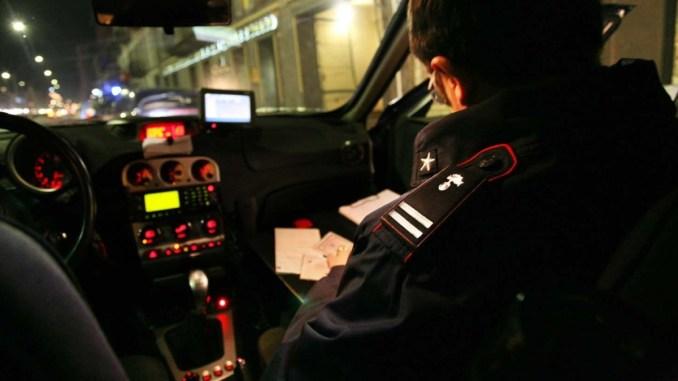La scorsa notte a Cascia i carabinieri hanno arrestato un 60enne, pensionato, poiché' nel centro abitato della frazione di Trognano a seguito di discussione scaturita per futili motivi con un compaesano, afferrava una roncola e si scagliava verso quest'ultimo tentando di colpirlo.