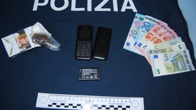 Spacciatore in manette, beccato dalla polizia a Fontivegge