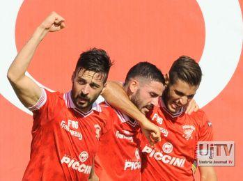 Calcio, serie B, il Perugia piega il Frosinone e riconquista la vetta [FOTO]