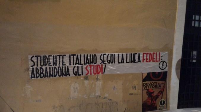 Blocco studentesco protesta critica, a Perugia, su Ministro Fedeli