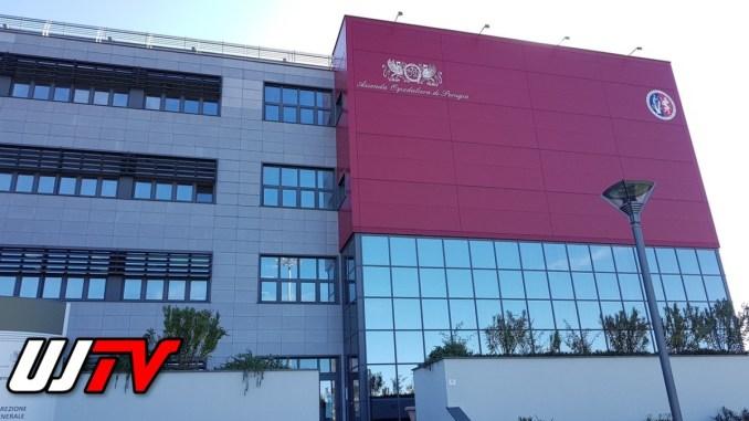 Quel palazzo dalla facciata rossa, la lettera di una giornalista perugina