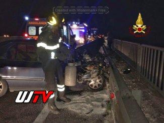 Incidente stradale a Spoleto, Vigili del fuoco e Carabinieri sul posto