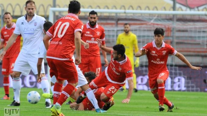 Calcio, secondo scivolone per il Perugia, perde 5-1 con Pro Vercelli