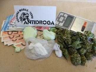 Ternano trovato in possesso di 60 grammi di cocaina e maijuana