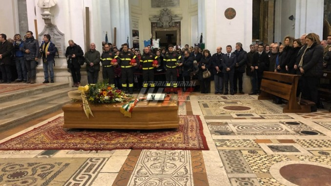 Celebrati i funerali di Fabrizio Cardarelli, il sindaco di Spoleto