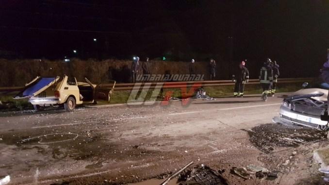 Incidente a Umbertide, muore anziana, anche due feriti nel frontale tra dueauto FOTO