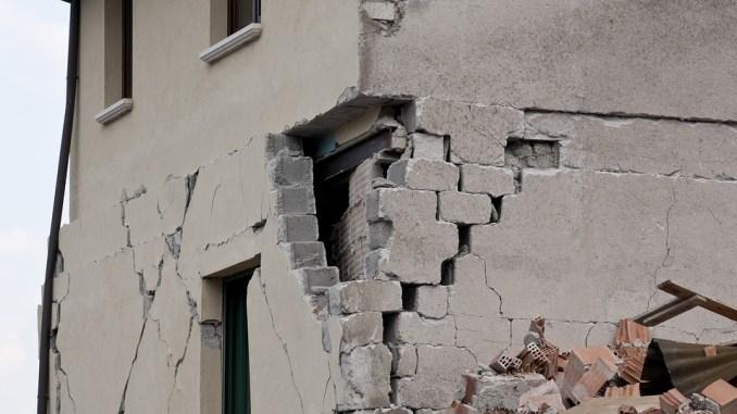 Terremoto, Commissario Farabollini, nessuna strategia di abbandono