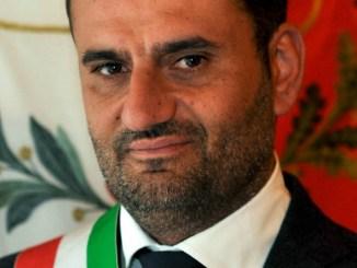 Avviso di garanzia ad Alemanno, levata di scudi dei sindaci italiani dell'Anci