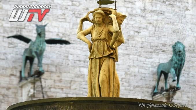 Fontana dorata, è colpa della ruggine dei tubi, altro che miracolo