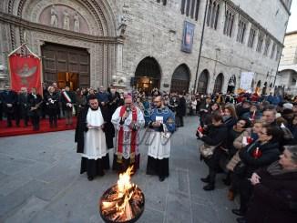 Solennità San Costanzo, Giulietti, oltre le contrapposizioni, le foto Luminaria
