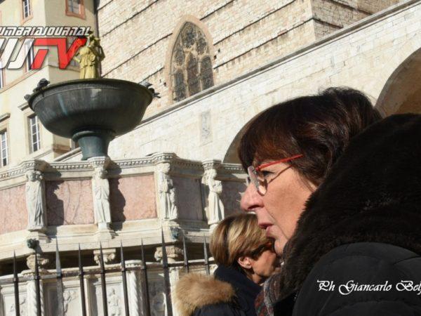 StatuetteDorateFontanaMaggiore (4)