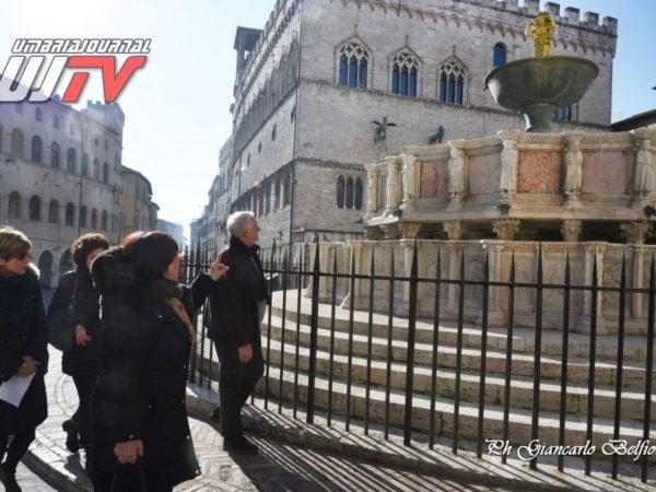 StatuetteDorateFontanaMaggiore (8)
